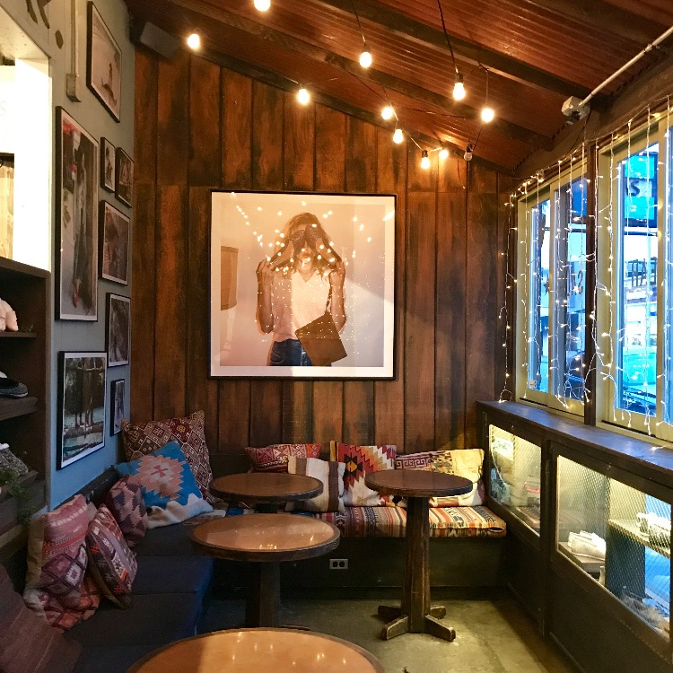 Los Angeles: Toms Coffee Shop - With Love From Kat